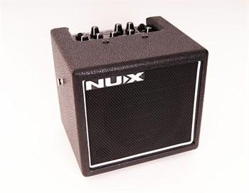 Mighty8SE Комбоусилитель гитарный, Nux Cherub на батарейках, цифровой 8Вт