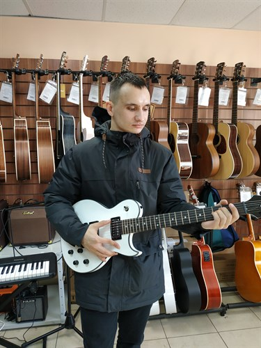 Гитара Ария