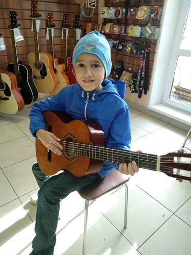 Гитара д3/4 для сына